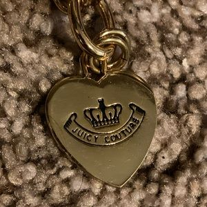 Juicy Couture Heartpadlock Charm Bracelet Gold.